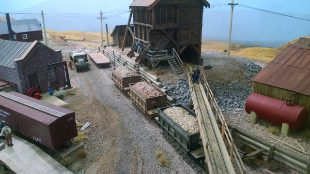 The P&W's primary purpose is to haul minerals from mine to crusher (or smelter or some such). The detail on teh layout is quite nice.